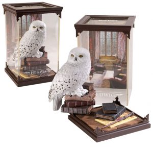harry-potter-hedwig-briefeule-posteule-statue-sammelfigur-noble-collection-magische-kreaturen-pvc-diorama